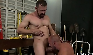 Mature men fucks at work
